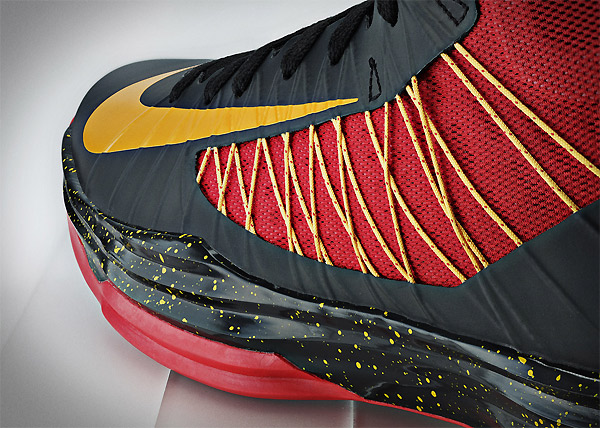 Nike Basketball - Kyrie Irving Hyperdunk